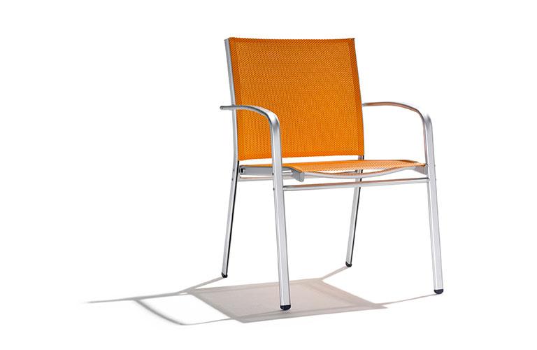 iago-02-naranja-desktop