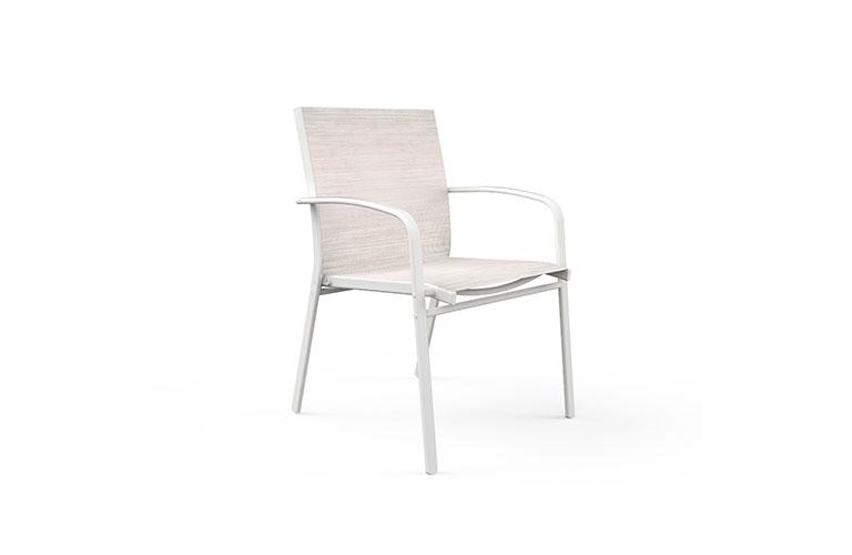 iago-02-white-axo-desktop