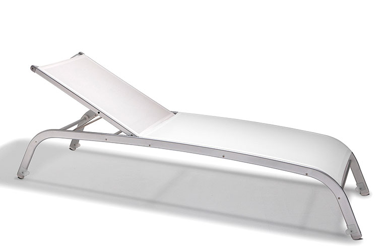 salvy-white-side-desktop